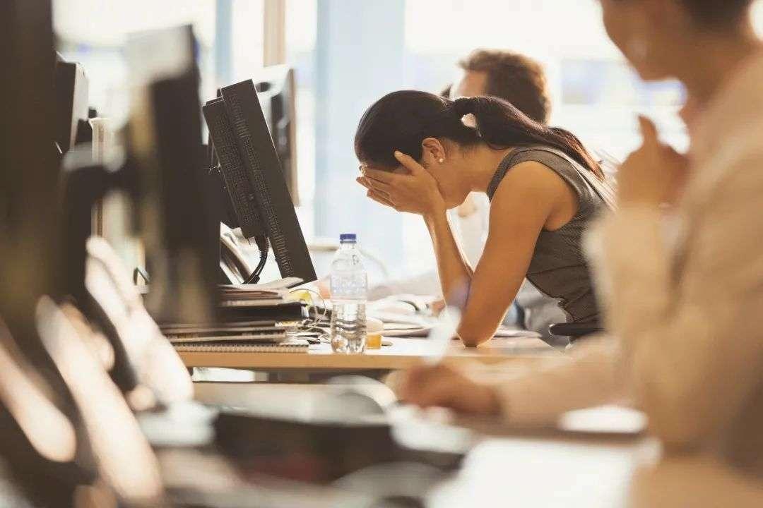 """0后互联网打工人:医生担心我猝死,让我睡觉用呼吸机"""""""